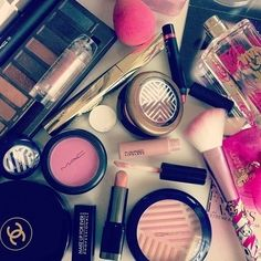This image of various make up products and tools creates am image of disorder as they are not placed in a specific sequence. Similarly to the disordered nail polish image, the lids are off a few of the products which creates further disorder within.