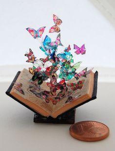Miniatur Buch Skulptur Schmetterling Modell 7 von JanasMinibooks