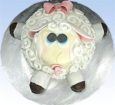 YummyArts Little Bo Sheep Cake - Join and get the tutorial video for this cute cake (plus many more) free with your membership. Go to yummyarts.com