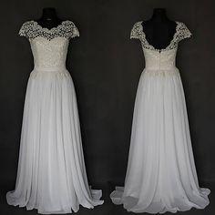 Svadobné  šaty v ľudovom štýle s bohato riasenou sukňou farba ivory alebo biela