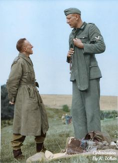 Seven foot tall German soldier Jacob Naken speaking with the Canadian soldier who captured him at Calais France September 29 Canadian Soldiers, German Soldiers Ww2, American Soldiers, German Army, Margaret Hamilton, History Books, World History, Ww2 History, British History