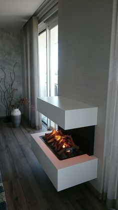 Fireplace Feature Wall, Wall Mounted Fireplace, Living Room With Fireplace, Minimalist Interior, Home Photo, Sweet Home, New Homes, Room Decor, House Design