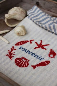 @ luli: souvenir bag to put small treasures & collect special holiday memories - free cross-stitch pattern, thanks so for sharing xox   ☆ ★   https://www.pinterest.com/peacefuldoves/