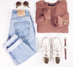 love the faded levis and chunky sweater - Outfits - Teenage Outfits, Teen Fashion Outfits, Mode Outfits, Outfits For Teens, Womens Fashion, Latest Fashion, Dress Fashion, Fashion Top, Laid Back Fashion