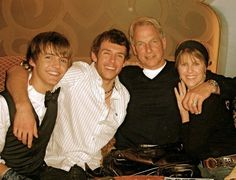 Mark Harmon with his family