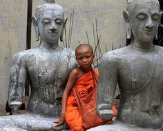 Man spricht heute von fünf großen Weltreligionen: dem Christentum, dem Islam, dem Hinduismus, dem Buddhismus und dem Judentum.  Der Buddhismus hat seinen Ursprung in Indien und ist die viertgrößte Weltreligion. Man schätzt, dass es weltweit bis zu 500 Millionen Anhänger gibt. Begründer der Weltreligion ist Siddhartha Gautama (Buddha). Der Buddhismus kennt drei religiöse Hauptrichtungen.