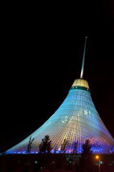 Khan Shatyr Entertainment Center, Kazakhstan.Foster + Partners. 2006-10. (The world's largest tensile structure)