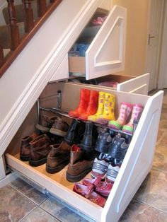 hidden shoe storage @ remodelaholic