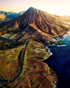 Magnificent Nature Landscapes of Hawaii by Micah Roemmling #photography