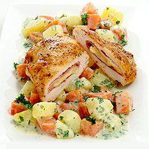 WeightWatchers.be - Weight Watchers Recepten - Kip cordon bleu 500 g Wortel 400 g Aardappelen, natuur 30 g Edammer, 30+ 1 portie(s) Ham, gekookt, mager 260 g Kipfilet, rauw, (2 à 130g) 1 hoeveelheid (naar smaak) Peper 1 hoeveelheid (naar smaak) Zout 1 koffielepel(s) Olijfolie 1 eetlepel(s) Peterselie, (gehakt) 1 eetlepel(s) Zure room 1 hoeveelheid (naar smaak) Nootmuskaat, (geraspt)