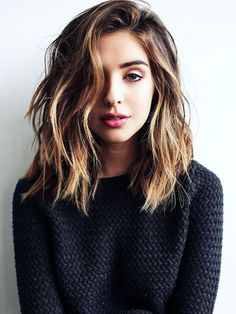 but one thing you may noticed is that most of the girls show off ombre hair are wearing long bob hair! Will the ombre look good on long bob hairstyle? Textured Long Bob, Pretty Hairstyles, Hairstyles 2018, Hairstyle Ideas, Hairstyles Haircuts, Winter Hairstyles, Latest Hairstyles, Modern Hairstyles, 2018 Haircuts