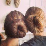 "Laura og Marie på 14 fletter hår og har deres eget ""nyhedssite"" med ca 19.000 followers."