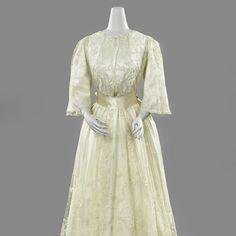 Lace wedding dress, ca. 1905?; Rijksmuseum BK-1975-360