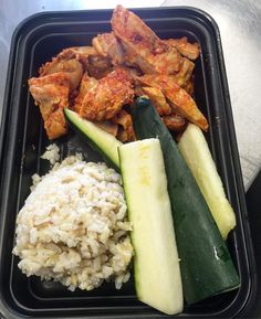 Downtown Campbell: Fire Chicken Brown Rice & Zucchini simple = simple #mealprep #leanfeast #firechicken #veggies #carbs #getsummerready #weightloss #nooil #healthy #taste #container #bck #delivery #pickup #bayarea by lean_feast