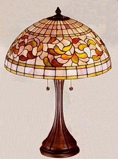 Tiffany Turning Leaf Table Lamp