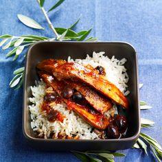 Découvrez la recette Aiguillettes de canard aux olives sur cuisineactuelle.fr.