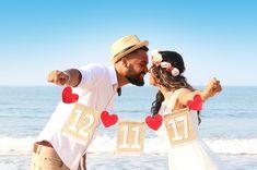 Pre Wedding Poses, Pre Wedding Shoot Ideas, Wedding Photo Props, Pre Wedding Photoshoot, Wedding Pics, Wedding Couples, Couples Anniversary Photography, Wedding Couple Poses Photography, Couple Photoshoot Poses