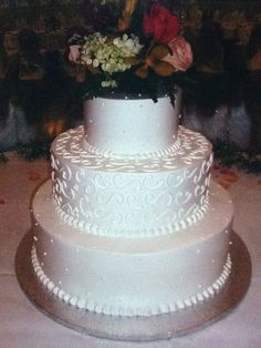 Calumet Bakery Simple but elegant wedding cake.