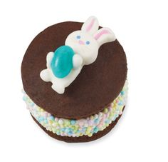Sunny Bunny Surprise Mini Whoopie Pies #Easter