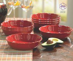 Los Platos hondos Pavillion™ color vino son el tamaño perfecto para tus pastas, ensaladas y sopas.