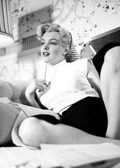 White turtleneck, high waisted black trousers and scarf that Marilyn had in Fox Studios Dressing Room in 1952. This is the casual outfit that can be worn everywhere, but it's very suitable for...