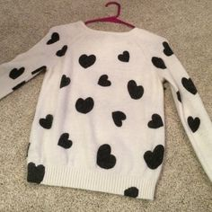 White with black hearts sweater Soft sweater from forever 21. I love this sweater, it goes great with colored jeans and boots. Forever 21 Sweaters Crew & Scoop Necks