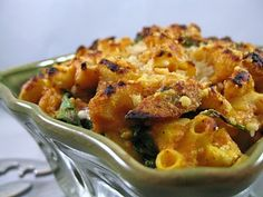 Pumpkin and Smoked Gouda Mac and Cheese from Cara's Cravings ( Lyons) Gourmet Mac And Cheese, Mac Cheese Recipes, Pasta Recipes, Pumpkin Mac And Cheese, Macaroni And Cheese, Great Recipes, Favorite Recipes, Healthy Snacks, Healthy Recipes