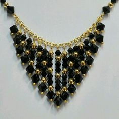nice DIY Bijoux - Swarovski Black and Gold Cascading Necklace with 4 & 6 mm beads. Bead Jewellery, Wire Jewelry, Jewelry Crafts, Beaded Jewelry, Jewelery, Jewelry Necklaces, Diy Necklace, Necklace Designs, Handmade Necklaces