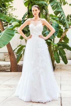 Costarellos-2015-bridal-gown-wedding-dress-collection-inspiration_04
