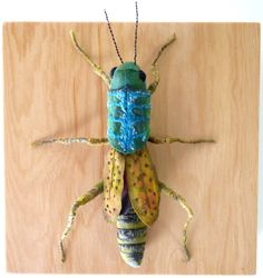Fabric sculpture Grasshopper textile art by irohandbags on Etsy Textile Fiber Art, Textile Artists, Design Textile, Bug Art, Insect Art, Bugs And Insects, Soft Sculpture, Fabric Art, Needle Felting