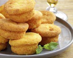 Muffins au maïs simples : http://www.cuisineaz.com/recettes/muffins-au-mais-simples-66125.aspx
