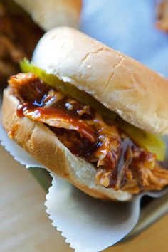 These 12 Easy Slow Cooker Ideas Are Excellent Choices For Comfort Food Meals Fish Recipes, Crockpot Recipes, Chicken Recipes, Crockpot Dishes, Entree Recipes, Sweets Recipes, Sandwich Recipes, Chicken Sliders, Gourmet