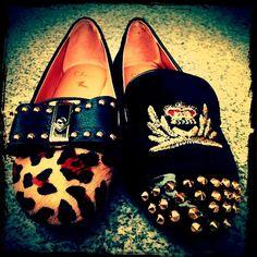 http://www.facebook.com/pages/Ch%C3%A9rie-Boutique-de-Zapatos/150914561648102?ref=hl