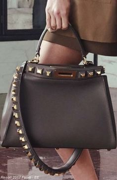 Terrific Fendi 2017 Street Style Handbags, Simple and Foever, Great Women Want It, ultimate guide to the hottest fashion handbags style inspiration from around the world. Stylish Handbags, Gucci Handbags, Luxury Handbags, Louis Vuitton Handbags, Fashion Handbags, Purses And Handbags, Fashion Bags, Fashion Purses, Satchel Handbags