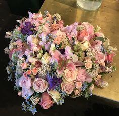 #uitvaart #bloemstuk #rouwstuk #zomersbloemen #rouwwerk Valentine Flowers, Memorial Flowers, Sympathy Flowers, Always Love You, Blue Moon, Funeral, Floral Wreath, Wreaths, Flower Arrangements