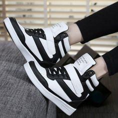 Women's Fashion Style | Women's Sneakers | Women's Shoes | Trendy Sneakers for Women