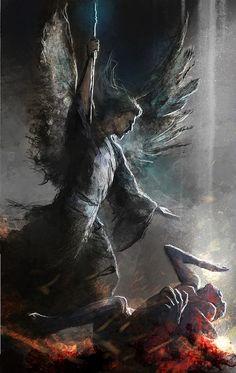 """""""Foi São Miguel Arcanjo quem manteve mais viva a chama da fidelidade nos piores momentos da batalha, quando tudo estava escuro e parecia que a metade dos anjos iriam se rebelar"""". (Padre José Fortea - História do Mundo dos Anjos)"""