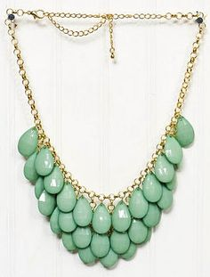 mint necklaces for the bridesmaids?