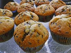 Muffins with chocolate chips, a tasty recipe from the category Fast and easy. Ratings: Average: Ø Muffins with chocolate chips, a tasty recipe from the category Fast and easy. Best Pumpkin Muffins, Pumpkin Cream Cheese Muffins, Pumpkin Muffin Recipes, Pumpkin Cream Cheeses, Spice Muffin Recipe, Simple Muffin Recipe, Muffins Chocolate Chip, Chocolate Chips, Donut Recipes
