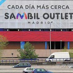 Sambil Outlet Madrid completa el 30% de las obras a la espera de abrir sus puertas en 2016  Las obras de Sambil Outlet Madrid siguen su curso. El centro comercial que prevé abrir sus puertas en la primavera de 2016 ya ha completado el 30% de los trabajos de construcción. El complejo dispondrá de 177 locales comerciales distribuidos en tres plantas.  En el nivel 1 donde se encontrará la principal oferta de moda outlet y el mayor túnel del viento de Europa se han finalizado el 40% de las…