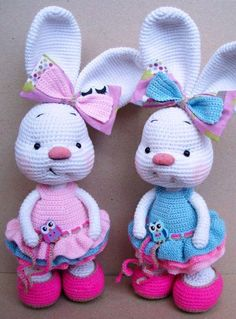 Are you looking for best crochet amigurumi? Checkout these 63 free Crochet Bunny Amigurumi Patterns that are sure to make you get with all the Bunny Crochet, Easter Crochet Patterns, Crochet Amigurumi, Amigurumi Patterns, Cute Crochet, Crochet Animals, Crochet Crafts, Crochet Dolls, Knit Crochet