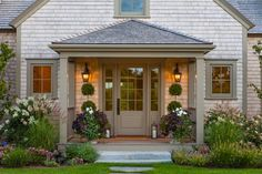 Cliff Road Area - Nantucket - beach-style - Entry - Boston - Jonathan Raith Inc.