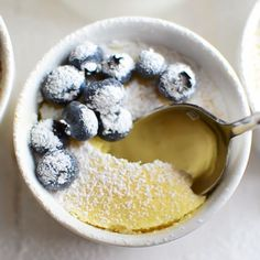 Warm Lemon Pudding Cakes Flourless Warm Lemon Pudding Cake ~ this easy self-saucing lemon sponge cake dessert is downright magical. Lemon Desserts, Lemon Recipes, Easy Desserts, Sweet Recipes, Dessert Recipes, Easter Recipes, Lemon Sponge Cake, Self Saucing Pudding, Lemon Pudding Cake