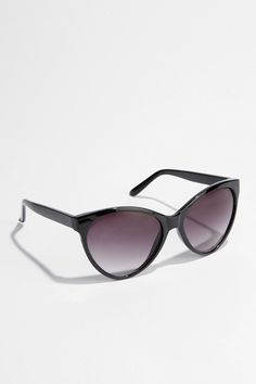 Professional, yet super cute! I love the shape and color of these! UO Oversized Cat-Eye Sunglasses