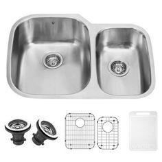 Vigo 30 inch Undermount Stainless Steel Kitchen Sink, Grid and 2 Strainers, Silver