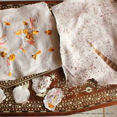 How to Make Recycled Handmade Paper Inlaid with Leaves and Petals