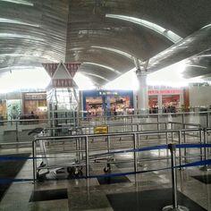 Ngemall di Bandara