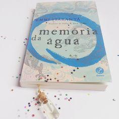 Quero começar logo essa leitura... Parece tão interessante. Em breve resenha no euinsisto.com.br #blogeuinsisto #livro #book #bookworn #readingnow #blogliterario