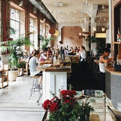 """Gefällt 32 Mal, 1 Kommentare - Afra Ding (@afrading) auf Instagram: """"Love this place @flaxandkale  #travellife  #barcelona #flaxandkale"""""""