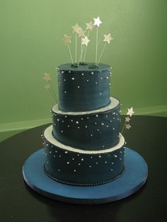 Sweet night sky cake... cool style but in a smoggy purple color